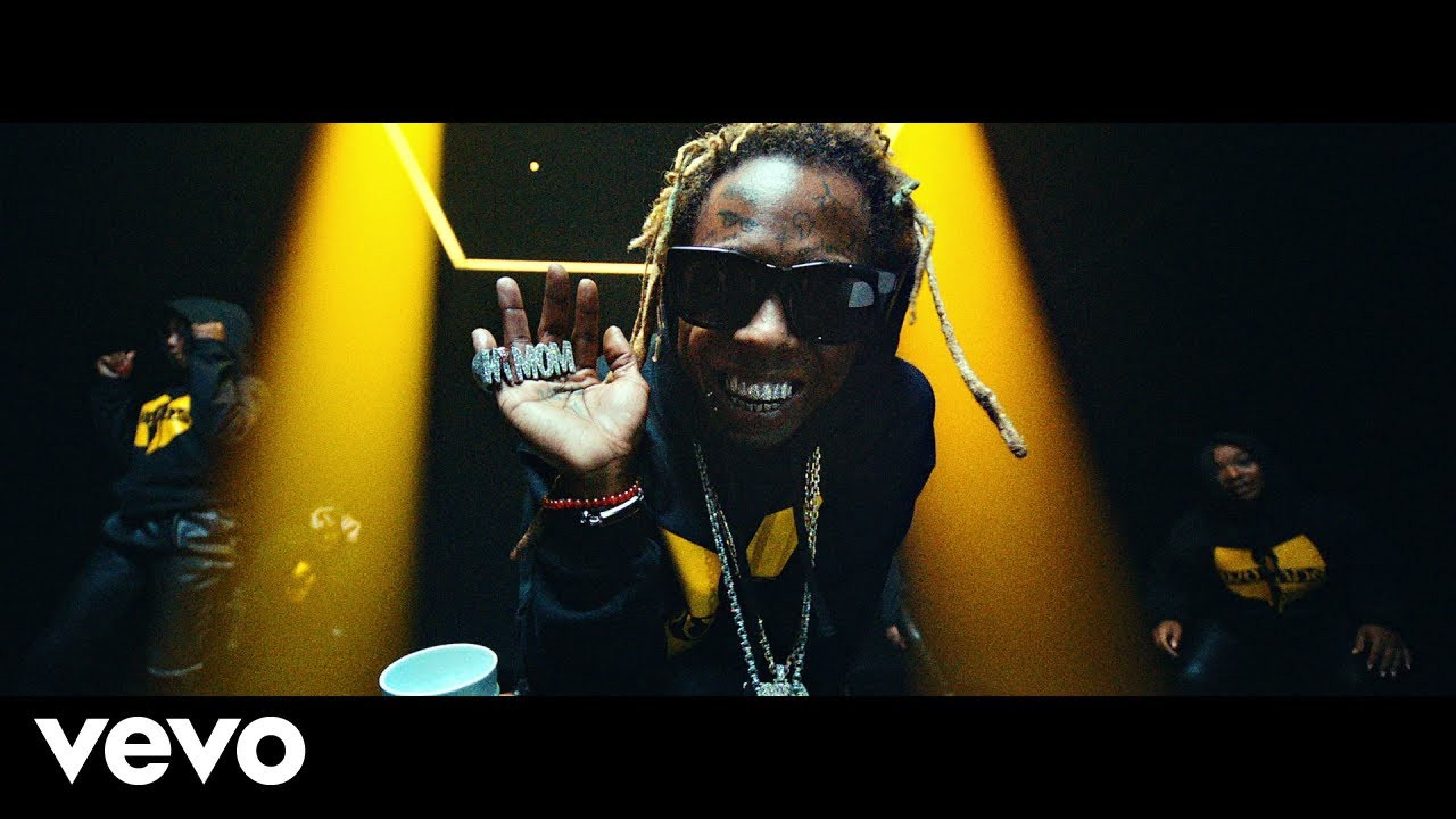 Lil Wayne - Mama Mia (Official Video)