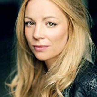 Fiona Button