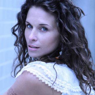 Holly Elissa Lamaro