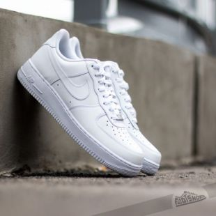 Sneakers Nike Air Force 1 07 white worn by Kyle Kuzma on his