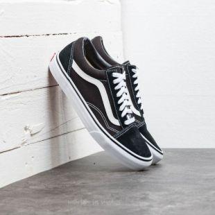 Les Sneakers Vans Old Skool portées par Stella Maxwell sur