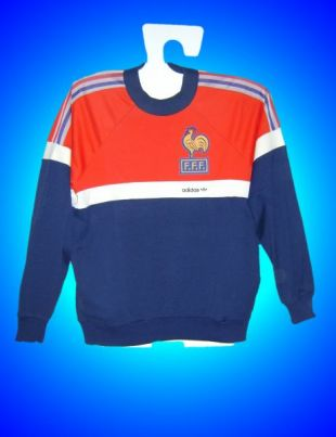 Le sweatshirt Adidas de l'Équipe de France de football