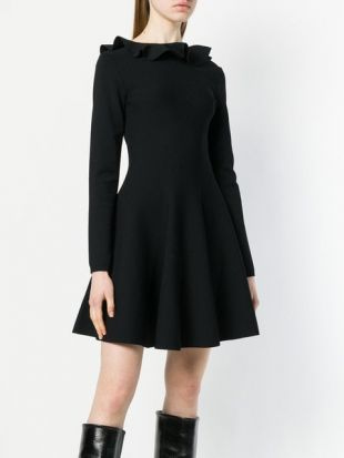 Robe De Skater Volantée (bon model mais col noir)