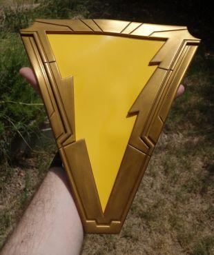Shazam! Captain Marvel poitrine emblème