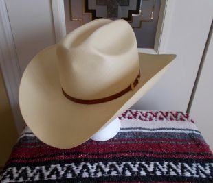 Chapeau de Cowboy vintage «Larry Mahan par Milano Hat Co.» Country Western chapeau unisexe, taille 7 3/8, Made in USA, chapeau de Cowboy paille blanc avec bande