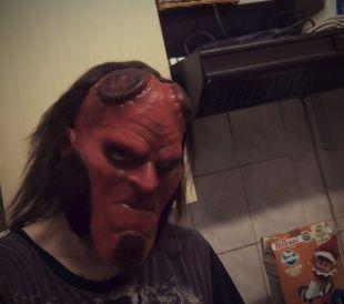 Masque de Hellboy 2019 de réplique.