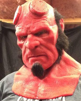 Un enfer d'un silicone garçon masque grande fantaisie et fait sur commande plein cheveux comme indiqué!