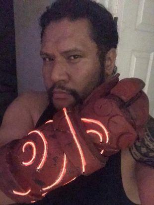 Main droite Hellboy de Doom
