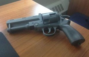 HellBoy le bon Samaritain pistolet réplique Prop modèle 3D imprimé NY, USA