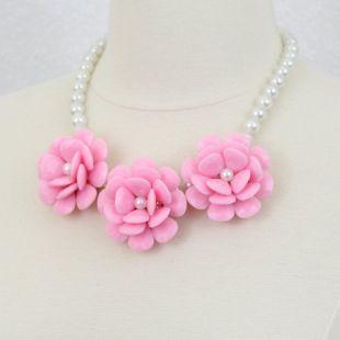 Rose Rose déclaration collier fleur collier grande fleur collier grand trois fleur collier Chunky Floral collier plastron