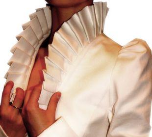 Blanc veste, col, un bouton, volant au dos, à volants pour femmes, fabriquées à la commande | Celia