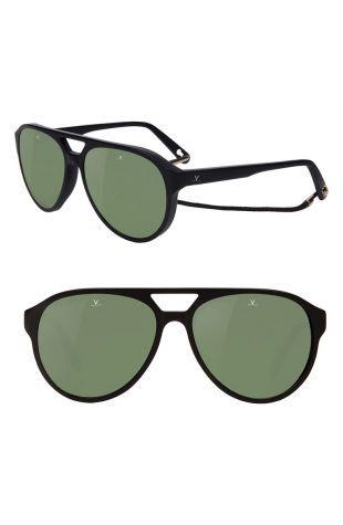 Les lunettes de soleil de Bruce Lee (Mike Moh) dans Once