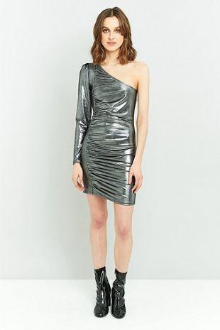 robe asymétrique métallique