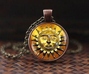 Dim pendentif, style Antique médiéval soleil collier, pendentif ethnique en soleil, soleil, collier, soleil visage, bijou de soleil, collier bohème, soleil vintage