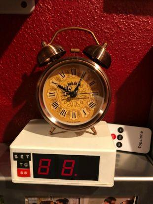 """Doc Brown Double Cloche Horloge prop de """"retour vers le futur"""""""