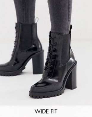 The Boots Of Agent M Tessa Thompson In Men In Black The
