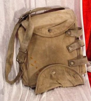 PLANET OF THE APES HERO CAPT LEO DITCH BAG MARK WAHLBERG SCREEN USED MOVIE PROP