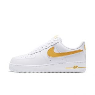 Sneakers Nike Air Force 1 white yellow logo worn by ASAP