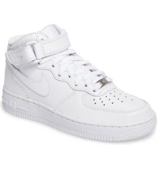 Nike Air Force 1 '07 Mid Sneaker portée par Bella Hadid