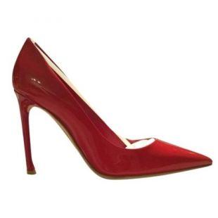 Les escarpins rouges vernis de Lorraine Broughton (Charlize