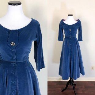 50's Velvet Party Robe Taille Petite (fr) 1950's Button Blue Velvet Cocktail Robe vintage Robe