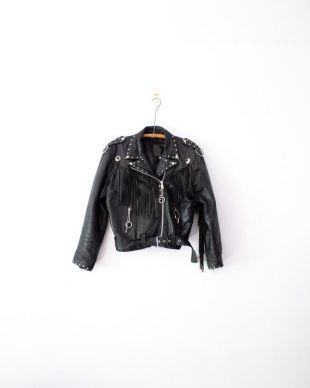 Veste de moto en cuir frange des années 1970 par Screaming Eagle (fr) Détaillé s'est personnalisé sur mesure Anneaux de franges de Concho Taille grande