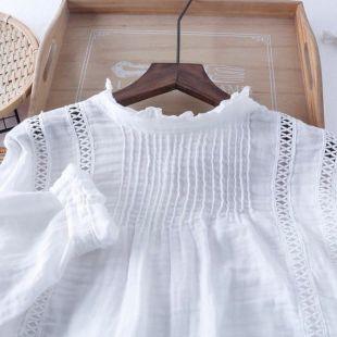 LOUISA - Blouse femme en coton, col cheminer, dentelle broderie, manches longues, chemisier blanc style bohème chic, matière naturelle.
