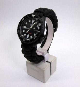 Seiko MOD 7S26 SKX007 Grands plongeurs tout noirs regarder Cerakote militaire avec la main conçu Paracord bracelet