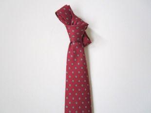 Geometric Print Red Tie. Vintage 80s Oleg Cassini burgundy foulard silk tie. Italian designer narrow tie. Wine, white, black
