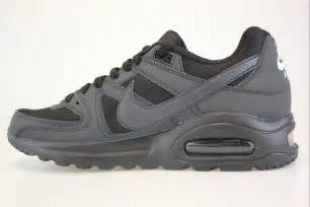 Sneakers Nike Air Max command Flex black in the clip Chino