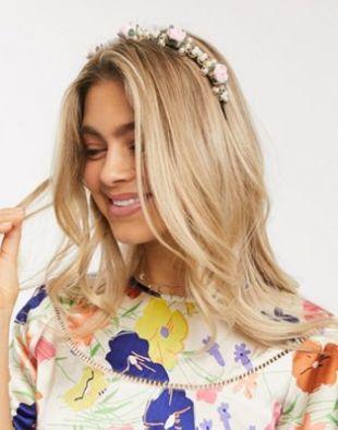 French Fashion House - Bloom - Serre-tête en métal à fleurspastel et perles | ASOS