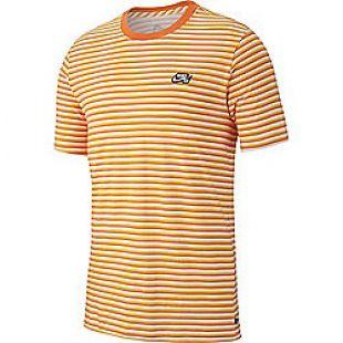 Le t shirt Nike à rayures oranges porté par Michou sur son