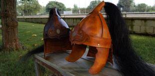 En cuir style casque mongol avec véritable crin de cheval pour GN / rôle in vivo