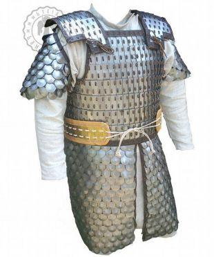 Longue armure à l'échelle lamellaire, scythe - sarmatique