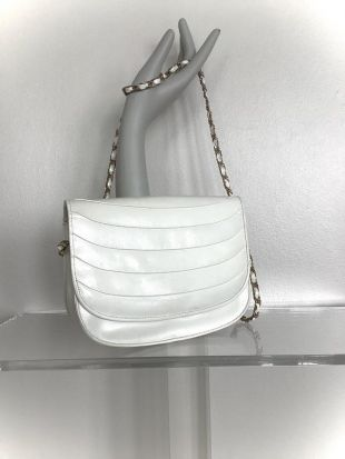 vintage I. Magnin White Leather 1980s Flap Snap Chain Leather Strap Bag