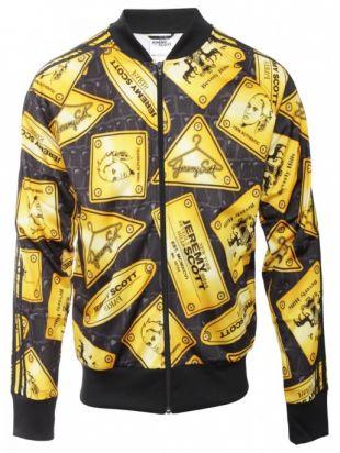 La veste Adidas Jeremy Scott de Eggsy (Taron Egerton) dans