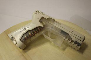 Thermoptic pistolet fantôme major dans la réplique du pistolet Shell