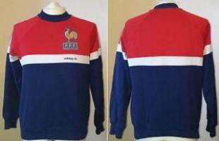 Le sweatshirt Adidas Bleu Blanc Rouge de la FFF porté par