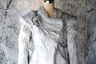 Daenerys Fur coat Targaryen, Games of Throne season 7, fur dress, Jon snow, Sansa Stark, Aria, Night king, Cersei Lannister, Jaime, Tyrion