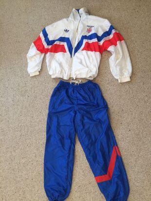 Le jogging Adidas team Great Britain 1988 de Taron Egerton