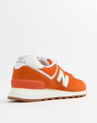 Sneakers New Balance purple Henry (Jason Sudeikis) in The