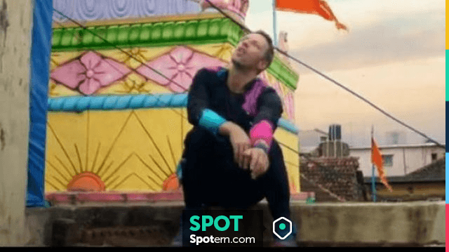 Máquina de escribir empieza la acción Sencillez  Sneakers Nike Air Jordan Spizike custom of Chris Martin in the clip Hymn  for the weekend Coldplay   Spotern