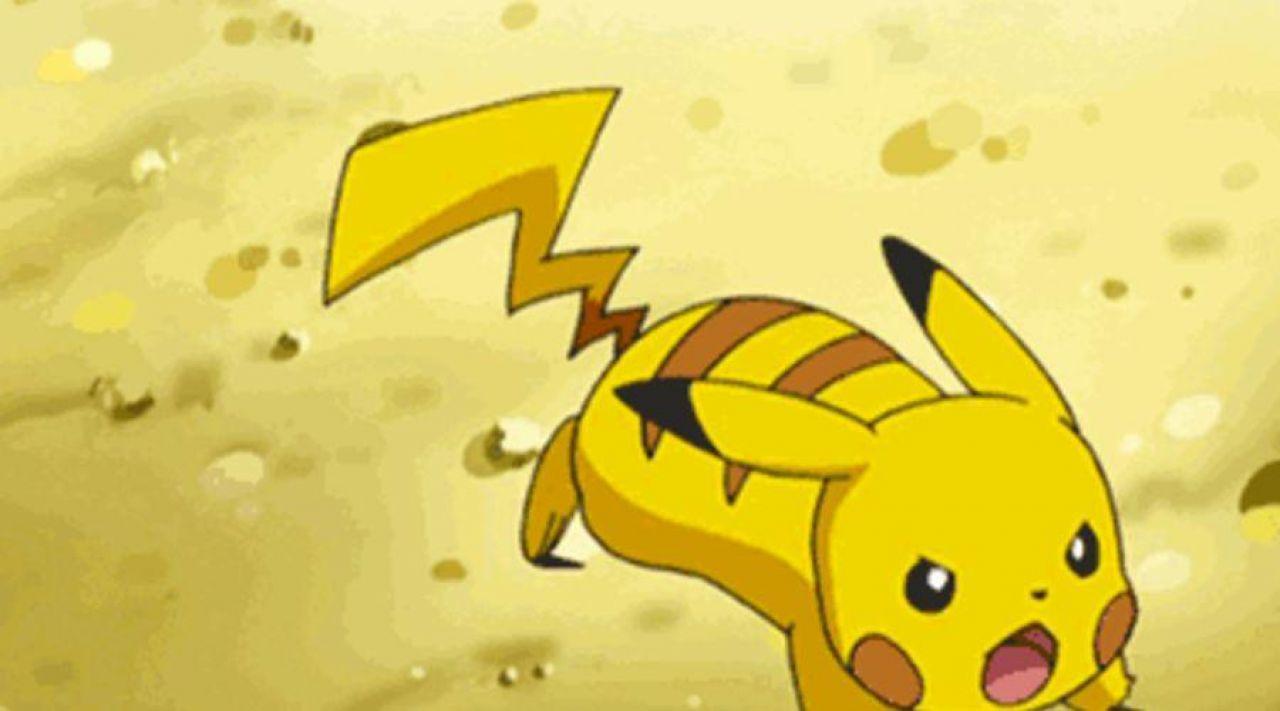 La réplique en peluche de Pikachu dans Pokemon
