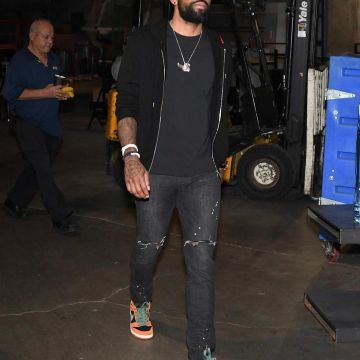 Kyrie Irving: Clothes, Outfits, Brands