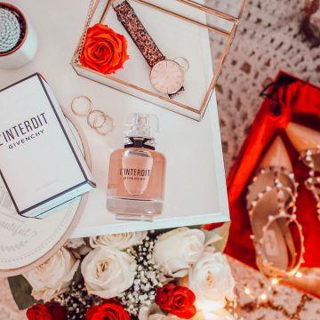 De Russo Parfum L'air Compte Le Charlène Sur La Fille VpSUzM
