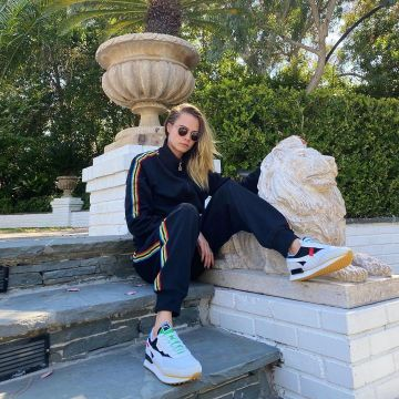 Cara Delevingne Clothes Outfits Brands Style And Looks Spotern