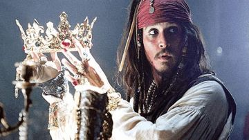 nouvelle apparence clair et distinctif rencontrer The Black Pearl in the bottle in Pirates of the Caribbean ...