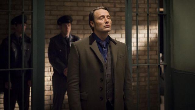 Le manteau de Hannibal Lecter (Mads Mikkelsen) dans Hannibal S01E12