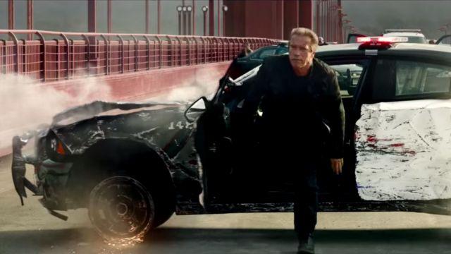 La voiture Dodge Charger de la police empruntée par le Guardian (Arnold Schwarzenegger) dans Terminator Genisys