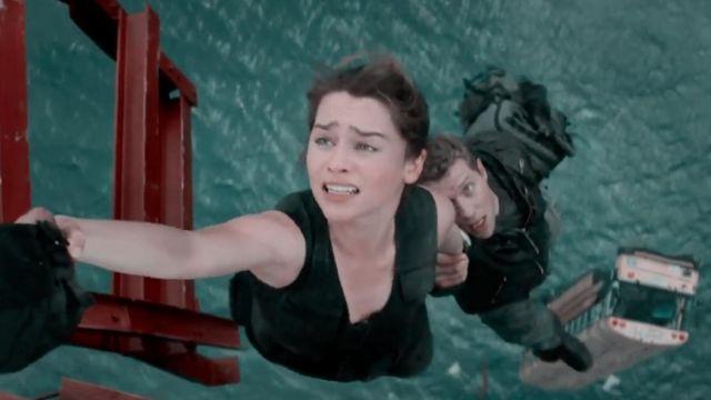 The tank top black Sarah Connor (Emilia Clarke) in Terminator Genisys